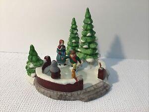 LEMAX 1991 Dickensvale Porcelain Skating Pond Christmas Figurine #13001