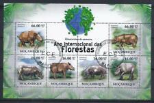 KL5985 2011 Souvenir Sheet of 6 Different Large Wild Animals Rhinos