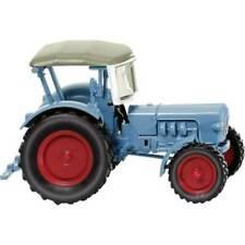 Véhicules agricoles miniatures bleus 1:87