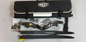 """Hoyt Satori 21"""" Right Hand Black Out Riser with Medium Black Out  Limbs"""