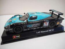 Voiture de sport de rallye miniatures bleus sous boîte fermée