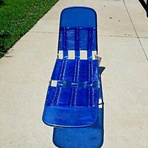 Vintage Folding Aluminum Chaise Lounge Lawn Beach Chair Vinyl PVC Tubing Blue