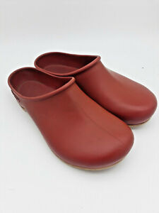 Sloggers Garden Clogs Women's Size 6 - Red