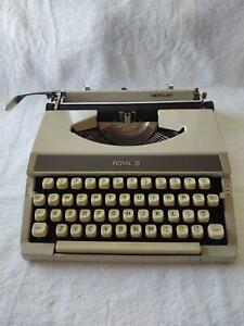 Vintage 1970's Royal Mercury Manual Portable Typewriter With Hard Plastic Cover