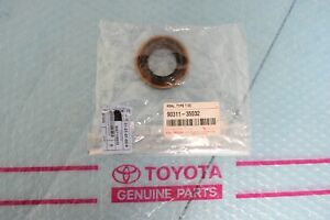 Genuine TOYOTA Front Axle-Output Shaft Seal 9031135032/ 90311-35032 OEM