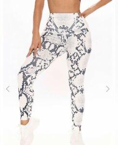 Fashion Nova Womens NWT Wind Me Up Active Leggings Workout