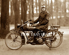 1919 FANTASTIC OLD VINTAGE INDIAN MOTORCYCLE RIDER WEARING LEATHER GOOGLES PHOTO