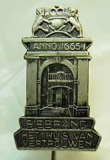 Siebrand Het Huis Van Vertrouwen used Hat Lapel Pin Tie Tac HP2278