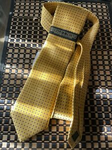 DONALD TRUMP SIGNATURE COLLECTION CLASSIC Gold /  Blue Dot SATIN TIE - NWT