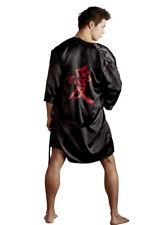 Kimono Nero Uomo Gay satinato con scritta giapponese Rossa Svenjoyment L/xl
