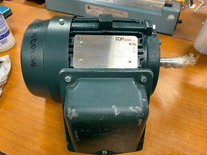 👀NEW TOSHIBA 3/4 HP ELECTRIC MOTOR 143T FR 1170 RPM 3 PH 230/460V 3/46SDSR41A-P
