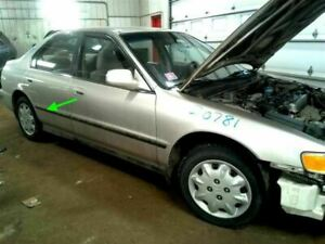 1994-1997 honda accord 4dr sedan or wagon rear right passenger door molding oem