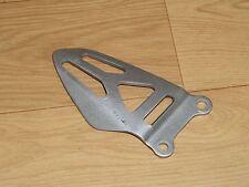 SUZUKI GSXR1000 K9/L0/L1 OEM RIGHT HANGER BOOT PLATE ANKLE GUARD 2009/2010/2011
