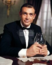 "SEAN CONNERY AS ""JAMES BOND"" 007 - 8X10 PUBLICITY PHOTO (ZY-780)"
