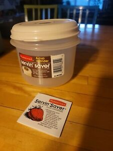 VTG  new Rubbermaid Servin Saver #8 Round Bowl with Almond Lid 6 Cups USA 1983