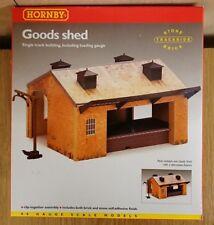 Hornby R8002 Goods Shed OO Gauge Single Track Building Including Loading Gauge