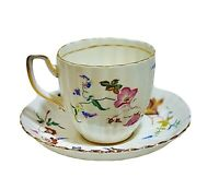 Royal Chelsea English Bone China 4805a Teacup Saucer Set Flowers Leaves Gold Rim
