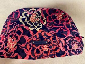 NWT Vera Bradley Large Zip Cosmetic bag in Katalina Pink plastic lined Beautiful
