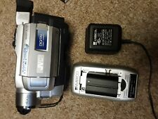 Jvc Gr-Dvl315U Mini Dv Camcorder w 400X Zoom Night Alive 2 batteries and charger