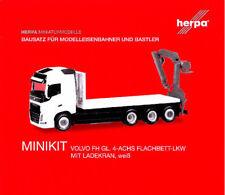 HERPA MiniKit 1:87 Volvo FH Gl. 4-achs Flachbett-LKW mit Ladekran Bausatz 013154