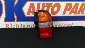01 CHEVY TRACKER REAR RIGHT PASSENGER TAIL LIGHT TAIL LAMP ASSEMBLY
