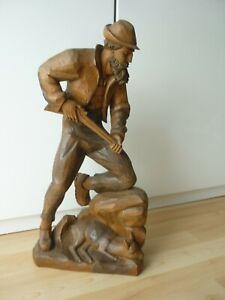 Holzfigur-Jäger mit Gewehr und Reh-Holz Figur Skulptur geschnitzt Relief H.50 cm