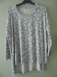 A POSTCARD FROM BRIGHTON OVERSIZE GREY JERSEY TOP 20/22