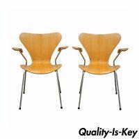 Pair of Danish Modern Fritz Hansen Arne Jacobsen Knoll Series 7 Arm Chairs C