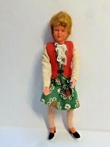 Biegepuppe von Caco  Frau in Rock und Weste   13 cm   für Puppenhaus
