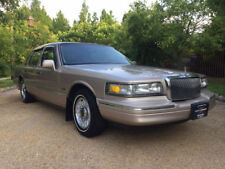 1997 Lincoln Town Car Executive Sedan 4-Door