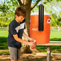 Igloo 10-gallon Seat Top w/Cup Dispenser Cooler