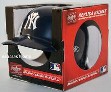 NEW YORK YANKEES - Rawlings Mini Batters Helmet w/ stand