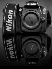 Nikon D90 12.3MP Digital SLR Camera  Black Kit w/ VR 18-105mm Lens +battery grip