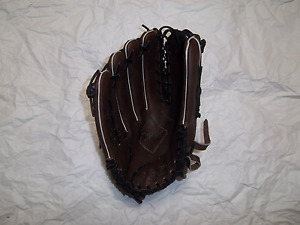 """SPALDING 42-288 TF17  BASEBALL GLOVE 12 1/2"""" LH PLAYER(GOES ON RIGHT  HAND)"""