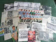 HUDDERSFIELD TOWN FOOTBALL CLUB - CLIPPINGS/ CUTTINGS PACK-PICTURES AND ARTICLES