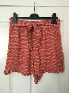 *BRAND NEW* Shorts, Size 10. Red, High Waisted, Elasticated, Pattern.