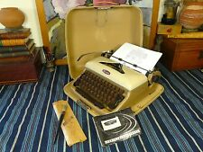"TRIUMPH Typewriter, Gabriele, 1957, Rare ""Master Model 2"", QWERTY, Guaranteed"