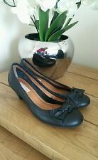 Botter ladies leather shoes size 6.5 Euro 40