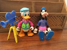 LOT OF 2 VINTAGE ARCO DISNEY GOOFY And DONALD DUCK ACTION FIGURES with CAMERA