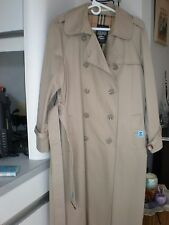 VINTAGE WOMAN SIZE 11/12 FOX RUN TRENCH COAT WITH PLAID COTTON LINING PRISTINE