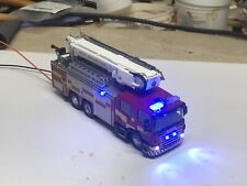 OO Gauge Oxford Diecast Fire Engine With Lights + Boom Light