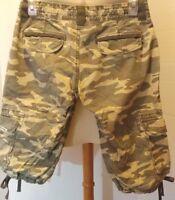 Women's Union Bay Camouflage Cropped Cargo Pants Sz 1