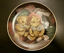 Franklin Mint Sue Willis Bear Facts Plate