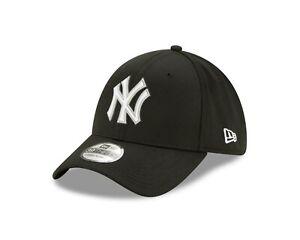 New York Yankees New Era MLB Black & White Clubhouse 39THIRTY Flex Hat