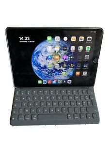 Apple iPad Pro 10.5  256 go Gris sidéral avec clavier apple