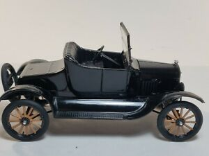 AMT Black 1925 Ford Model T 1:24 Scale