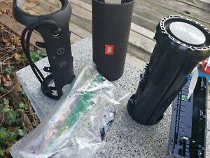JBL Flip 3 Portable Bluetooth Speaker Black For Parts Only - Needs Charging Port