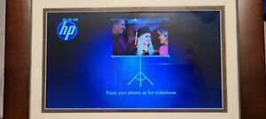 HP 10-Inch Wooden Digital Picture Photo Frame DF1010P1 turns on