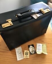 1991 Lion Leather Products USA Black Leather Attaché Briefcase Crest Lock Co