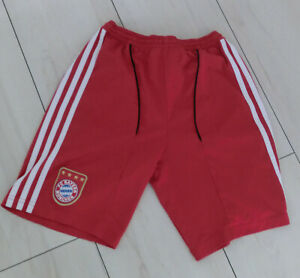Sporthose Shorts  kurze Hose  Adidas  Gr. 152  FC Bayern